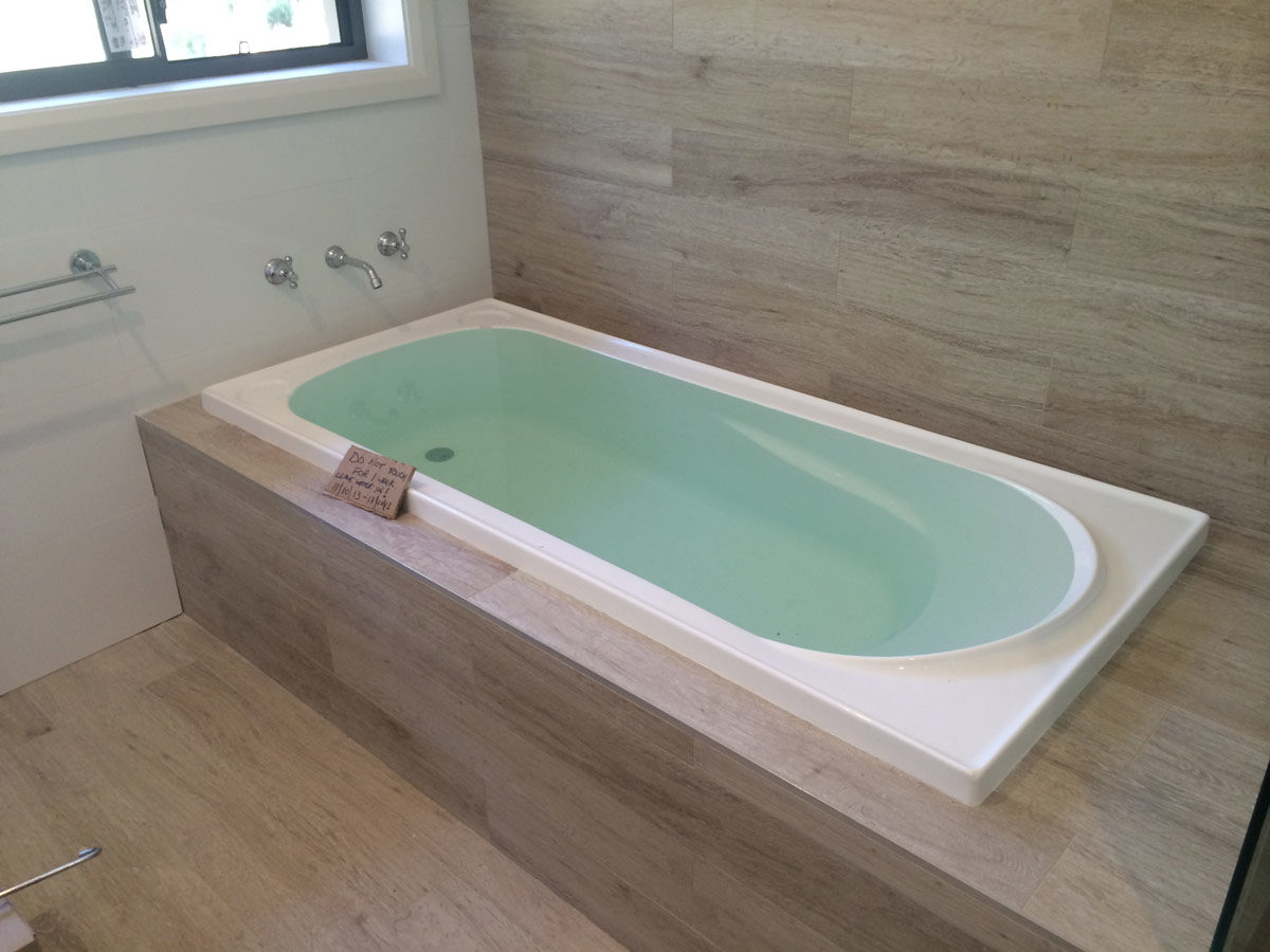 Bathtub built in 28 images built in bath gap trade for Deep built in bathtubs